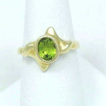 0.75CT GENIUNE OVAL CUT PERIDOT RING SET IN SOLID 14K YELLOW GOLD