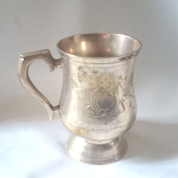 Beautiful elegant decorated vintage pewter tankard