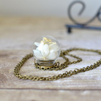 Terrarium necklace, glass globe, botanical jewelry,  vial necklace ,real flower jewelry, hydrangea necklace, Gift Under 30, stocking stuffer