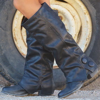 The Calm After The Storm Boots - Black