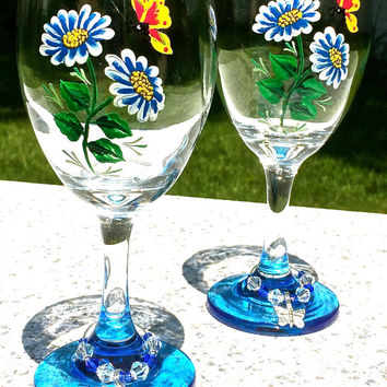 Hand Painted Wine Glasses With Blue Flowers and A Butterfly Charm, Wine Glass Charms, Birthday Gift, Wedding Gift, Anniversary Gift