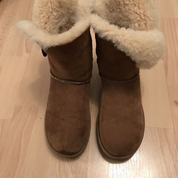 genuine UGG Bailey Button boots uk 5-10