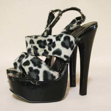90s Vintage High Heels Shoes Animal Print Stilettos Sandal Strap Vtg Clubwear Pumps 1990s Size 6