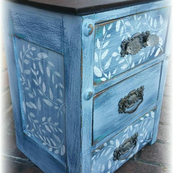 Antique Distressed dresser with 3 drawers, beachy small dresser, shabby chic small dresser, bohemian style small dresser, distressed