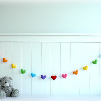 Rainbow felt hearts banner/ garland/ bunting - nursery decor - birthday decor - made to order