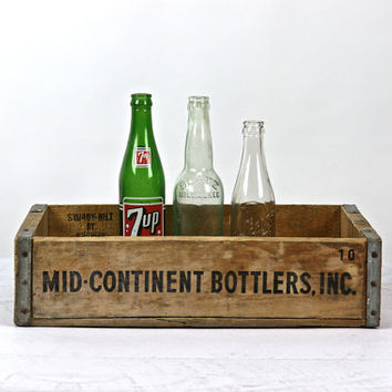 Wooden Soda Crate / Midcontinent Bottlers Pop Crate / Industrial