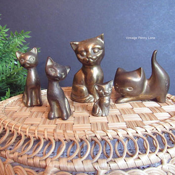 Vintage Brass Metal Figurines / Miniatures, Mini Lot, Brass Figures, 5 Cats