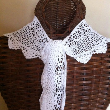 VIntage 1980s White Crocheted Romantic Long Tie Crocheted Collar