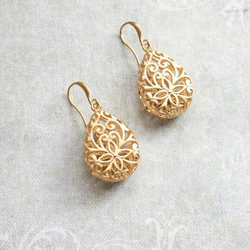 Gold Teardrop Filigree Earrings Boho Wedding Jewelry Bridesmaid Gift Gold Lace Modern Pear Filigree Floral Drop Eearrings Nickel Free