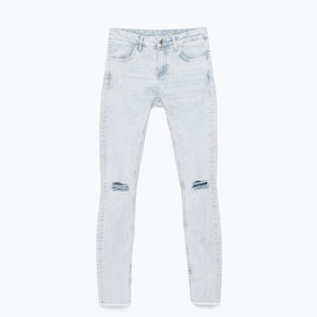 Light-washed jeans