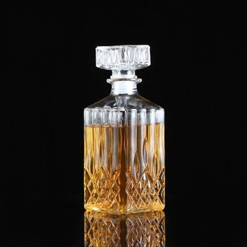 Bar Tools 900ml Vintage Decanter Glass Liquor Whiskey Crystal Bottle Wine Stopper Scotch