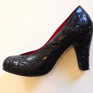 Seville Hand Tooled Black Leather Pumps Late 40s Early 50s Style (Vintage)