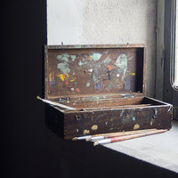 Vintage French Paint Box // Painter Artist Wooden Crate // Storage box for Art Supplies // Rustic Weathered Wood