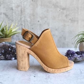 sbicca - almonte open toe perforated heel sandal - tan