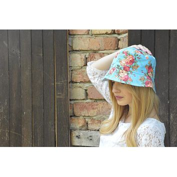No-Nonsense Woman Who Really Likes Gardening But Also Reads a Lot of Jane Austen Floral Bucket Hat