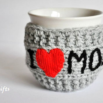 Gift for Mom, Knitted Mug Cozy, red heart, grey color, Mothers day gift, I love Mom, travel cup cozy, Personalized Mug Cozy,