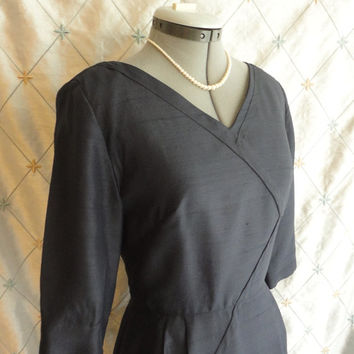 ON SALE 50s Dress // Vintage 1950s Navy Blue Silk Dress by Leslie Fay Size M