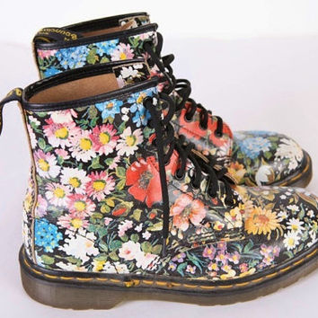 Shop flower dr martens on wanelo 1990s floral doc marten boots dr martens flower boot size uk 8 eu 42 mightylinksfo Image collections