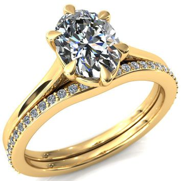 Lizzy Oval Moissanite 6-Claw Prong Engagement Ring