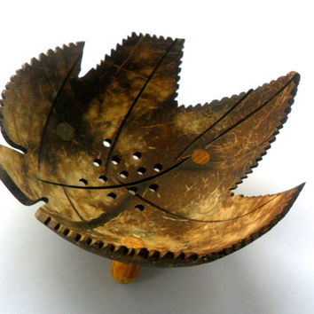 "Natural Coconut Shell Soap Dish Marijuana Leaf shape Hand Carved Handmade wooden Carving Soap Dish Home Art Decor / Zen / Gift 5""X4.5""X2.75"""