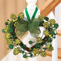 Heart-Shaped-St-Patricks-Day-Wreath-Holiday-Door-Hanger