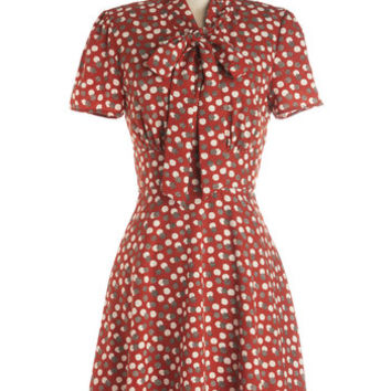 ModCloth Fruits Mid-length Short Sleeves A-line Think Out Laud Dress in Apples