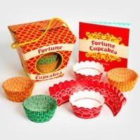 Fortune Cookie Cupcakes | Cupcake Making Kit | fredflare.com