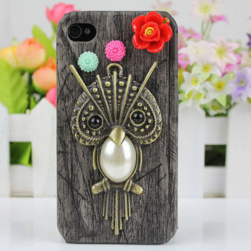Lovely Owl  Black Wood Grain  Hard Case Cover  for iPhone 4 Case, iPhone 4 Cover, iPhone 4s Case,iPhone Cover,to iPhone Cases 4,4s,apple