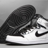 Air Jordan 1 Retro OG HG - Black/White/Silver