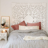 Grand Sienna Headboard | Urban Outfitters