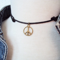 Antique Brass Peace Sign Necklace ~ Charm Necklace ~ 90s Choker Necklace ~ 90s Grunge ~ Grunge Style ~ Soft Grunge Choker ~ Grunge Fashion