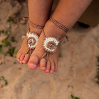 Seashell Crochet Baby Barefoot Sandals, Baby Foot accessories, Baby Photo prop, Beach Pool Anklet, Lace Sandals, Tan barefoot sandals