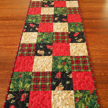 Cowboy Christmas Table Runner, Country Christmas Table Runner, Cowboy Hats and Holly, Red and Green, Western Christmas