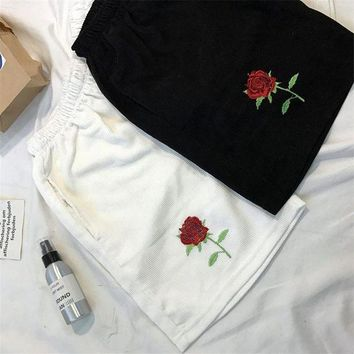 2017 Harajuku Wind High Waisted Shorts For Women  Rose Embroidery Loose  Shorts Corduroy Summer Woman Shorts