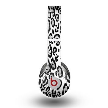The Black and White Snow Leopard Pattern Skin for the Beats by Dre Original Solo-Solo HD Headphones