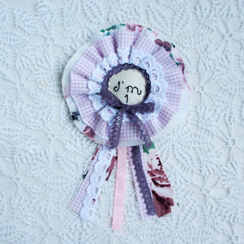 Birthday Badge, I am one, birthday rosette, Birthday brooch for girls, felt, fabric, embroidered, Baby girl birthday, handmade