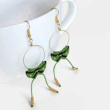 green and black macrame earrings with golden aluminium wire, Boho dangle earrings with beads, fashion jewelry, statement wire jewelry