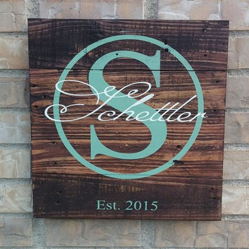 Circle Family Name Personalized Reclaimed Wood Sign