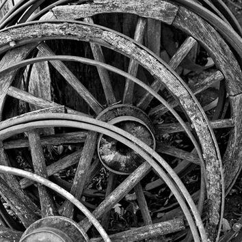 Stack of Broken Wooden Wagon Wheels (IMG_7221)