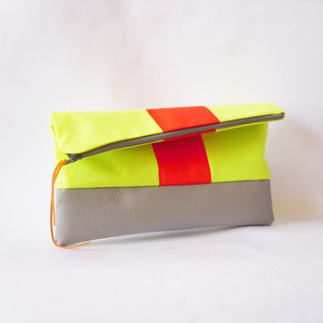 Neon Clutch Fold overFaux leather in grey Neon Fabric by byMART