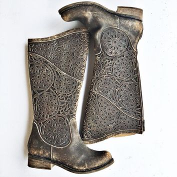 112 Corral Boots