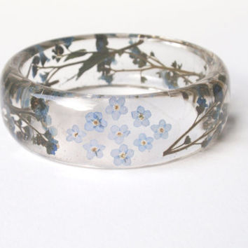 Eco Resin Bangle Bracelet - Size L, Real Flower Resin Bracelet, Chunky Thick Rounded Bangle, Real Plant Bracelet, Forget-me-not