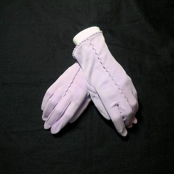 Vintage 1960s Lilac Gloves with Scalloped Hem, Embroidery Detail, Lady's Medium, Costume or Dress Up Gloves, Vintage Gloves, Plays, Fashion