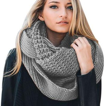 Chicloth Gray Cable Knit Chunky Scarf