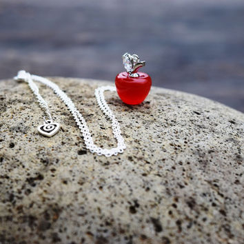 Snow White Glass Red Apple Necklace, Teacher Gift, Once Upon A Time, Back to School Gift, Poison Apple Necklace, Dainty Apple, Teacher Gift