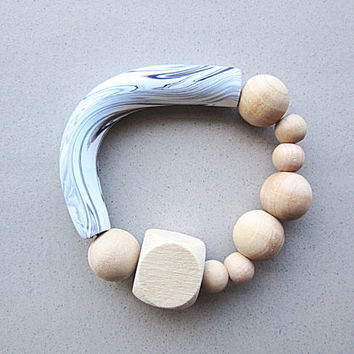 BR-001 White and Black Swirl Marble Pattern Polymer Clay Curved Tube with Faceted Cube and Round Wooden Beads Bracelet