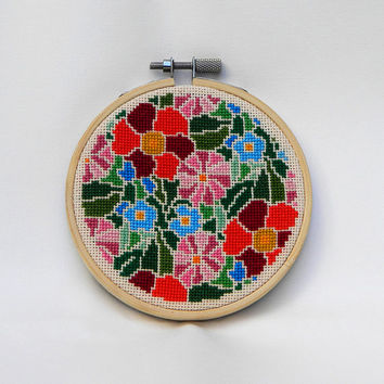 Summer Memories bright mini hoop art completed cross stitch embroidery for your home