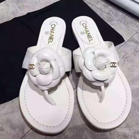 shosouvenir : Chanel Fashion casual men and women flip flops
