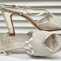 Vintage 40s Peep Toe High Heel Shoes Goldtone & Light Gray Suede Galano Exquisite Footwear Italy Strappy 50s Ballroom