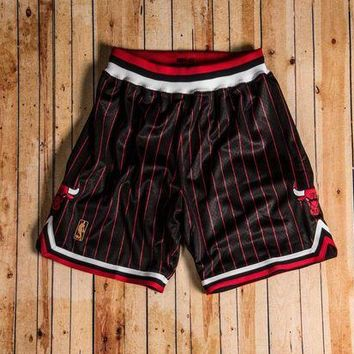 CREYGE2 Beauty Ticks Mitchell & Ness - 1996-97 Authentic Shorts Chicago Bulls Black/red/white